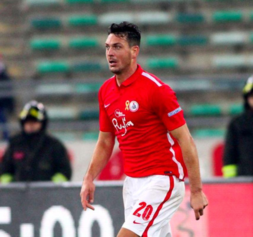 Il difensore Ionut Rada con la maglia del Bari